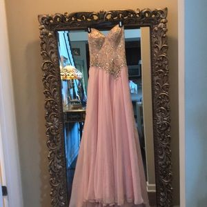 Pink long dress with jewels and sequins